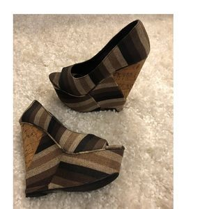 Shoes - Like New Wedges